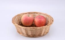 果篮中的苹果