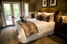 暖色卧室设计
