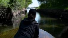 人物背影水上视频