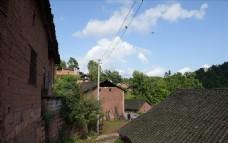 小山村的老房子