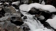 雪水融化视频风景