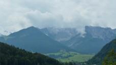 实拍大自然山峰云彩