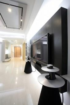 家居客厅黑色木质背景墙效果图