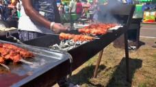人物肉串烧烤视频素材