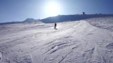 雪地人物视频背景