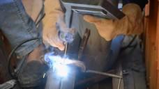 烧焊的工人师傅