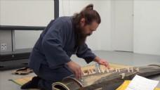弹琴外国的人物视频