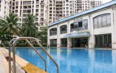 酒店露天游泳池