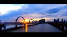 城市风景人物视频