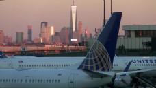 飞机机场建筑视频
