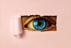 人物眼睛撕纸视频