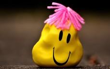 黄色另类滑稽笑脸
