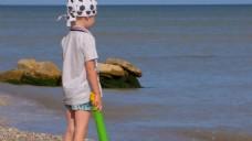 儿童海边玩耍视频