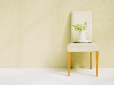 简约白色餐椅背景