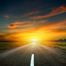 落日夕阳远方公路背景