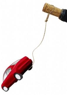 创意汽车开红酒png免扣元素