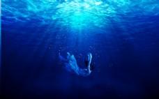 合成坠海蓝色海洋背景