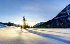 大气阳光早晨雪地背景