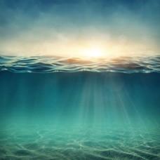 蓝色大海透明光泽背景