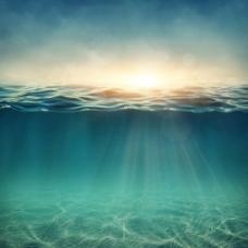 梦幻蓝色大海阳光背景