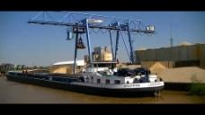 龙门吊装船视频素材
