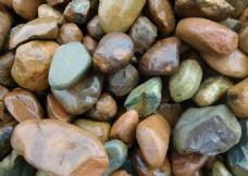 湿润鹅卵石