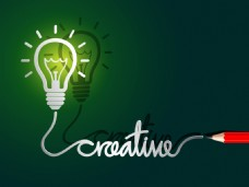 创意思维灯泡和铅笔