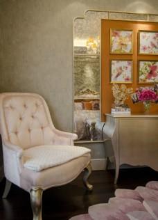 欧式经典典雅客厅背景墙装修效果图